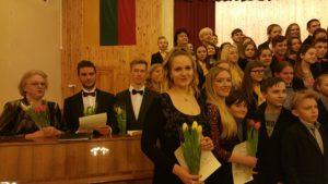 Lietuvių kompozitorių dainos skiriamos Kauno Veršvų gimnazijos moksleiviams ir mokytojams